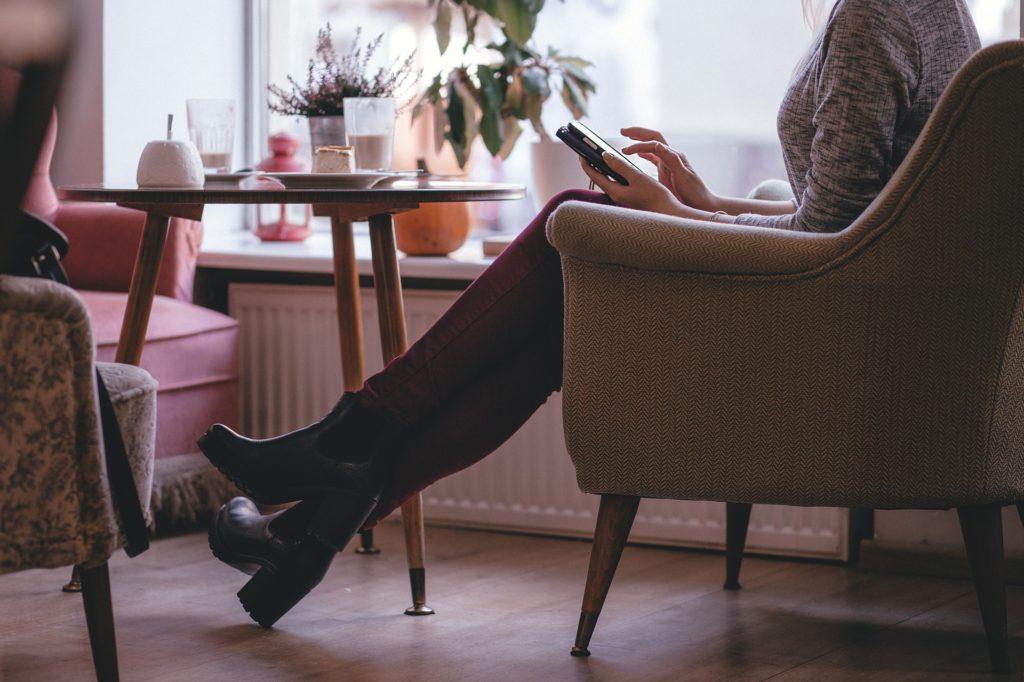 シングルマザーが職場の人間関係に悩んだら?仕事のやり方を変える方法!
