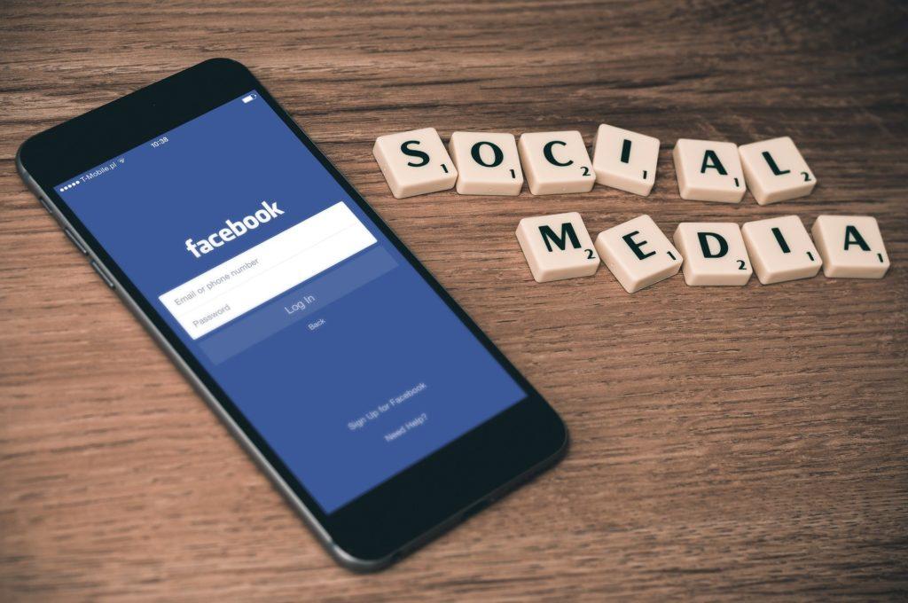 シングルマザーのFacebook活用法!情報発信するなら顔出しで攻略!