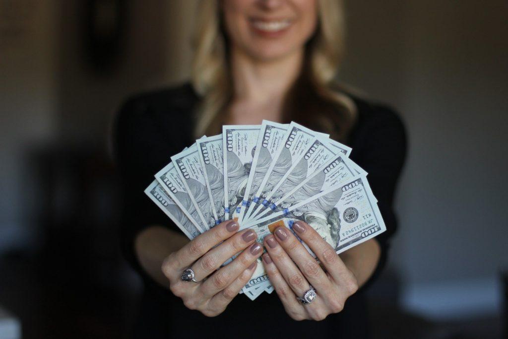 ネットで簡単に稼ぐ方法はあるの?家にいてお金を稼ぐ方法はブログだけ!