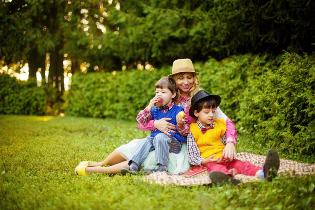 シングルマザーが一人で息子を育てる悩み!理由と解決策を徹底解剖!