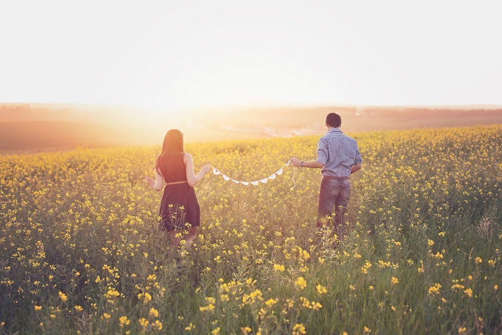 シングルマザーの恋愛法則!年下彼氏と再婚できて幸せになる方法とは?