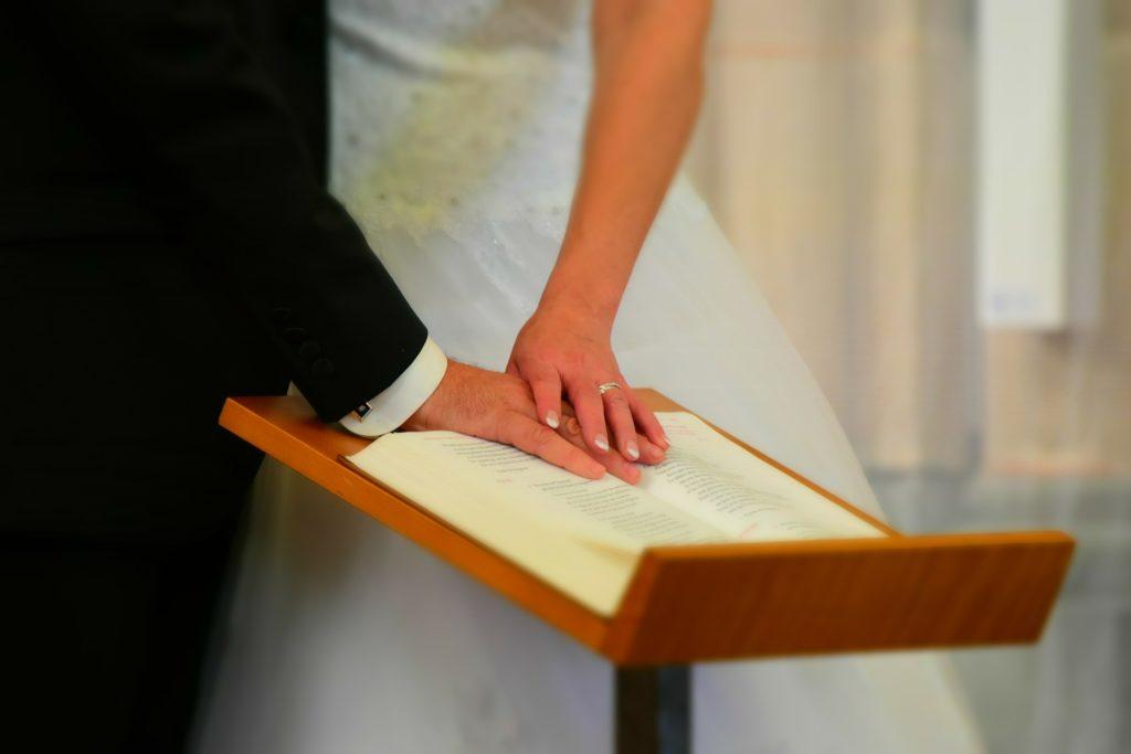 シングルマザーが年下彼氏と再婚したい!幸せな恋愛で楽しく生きる方法!